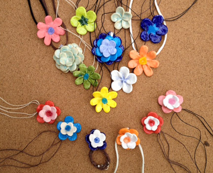 Flower necklace variety